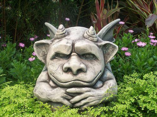 statue-garden-margit-glassel